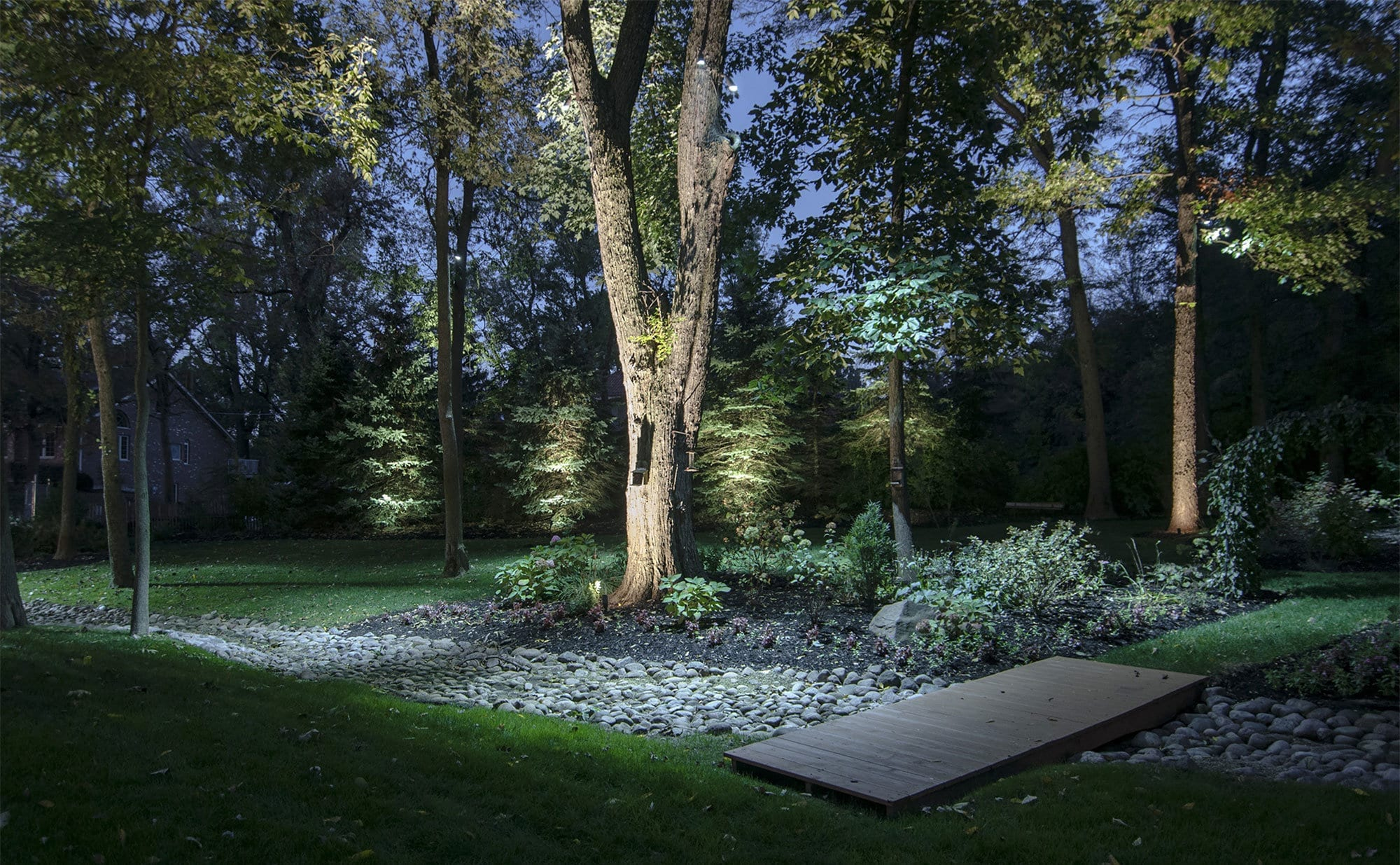 Come illuminare il proprio giardino lid design - Illuminare il giardino ...