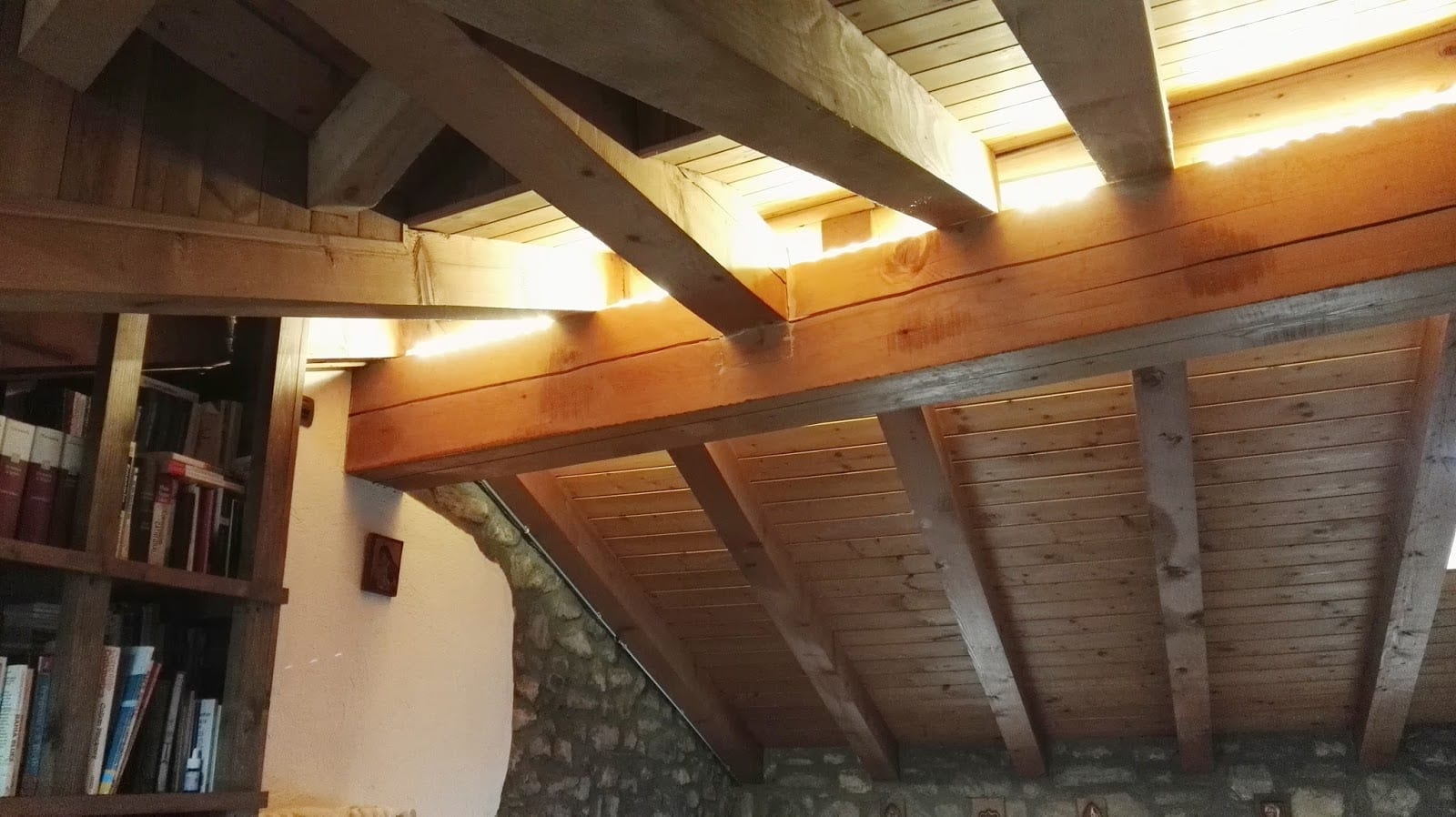 Travi A Vista Illuminazione tips: how to light up wooden beams | lid design